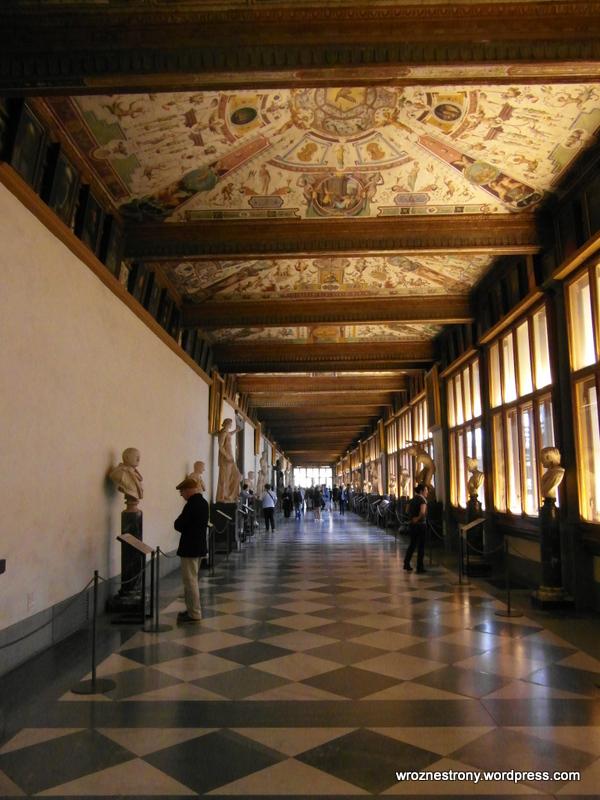 Wnętrza Galerii Uffizi
