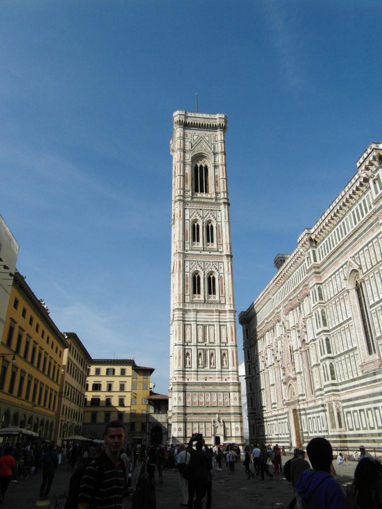 Dzwonnica przy katedrze