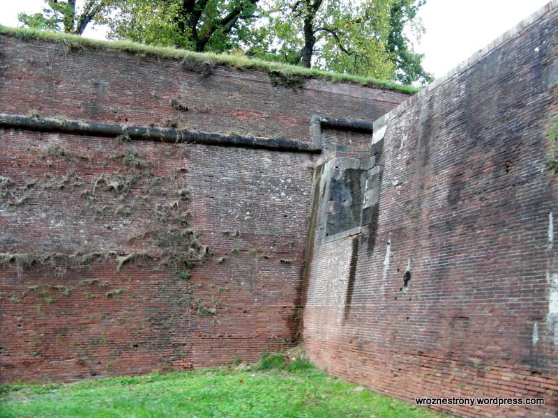 Mury otaczające stare miasto
