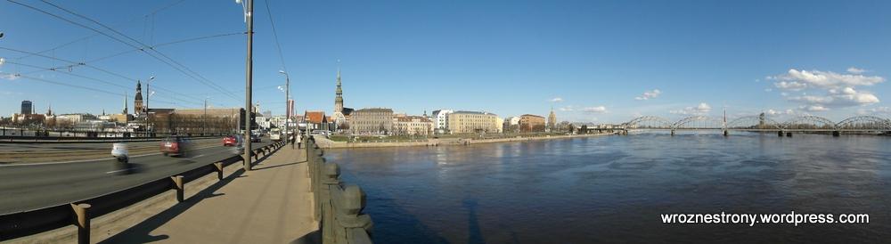 Panorama starego miasta z mostu