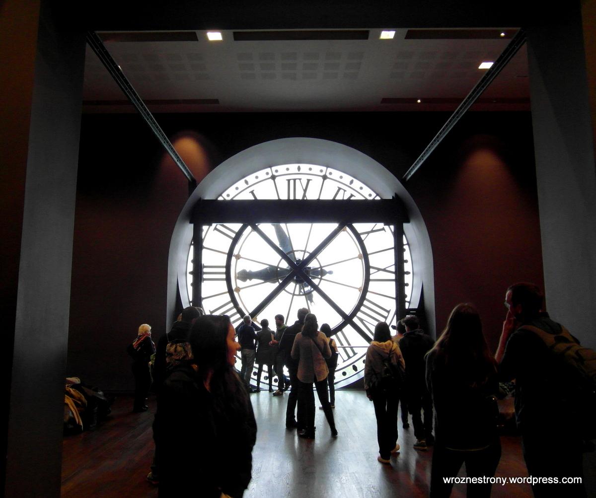 Zegar w oknie