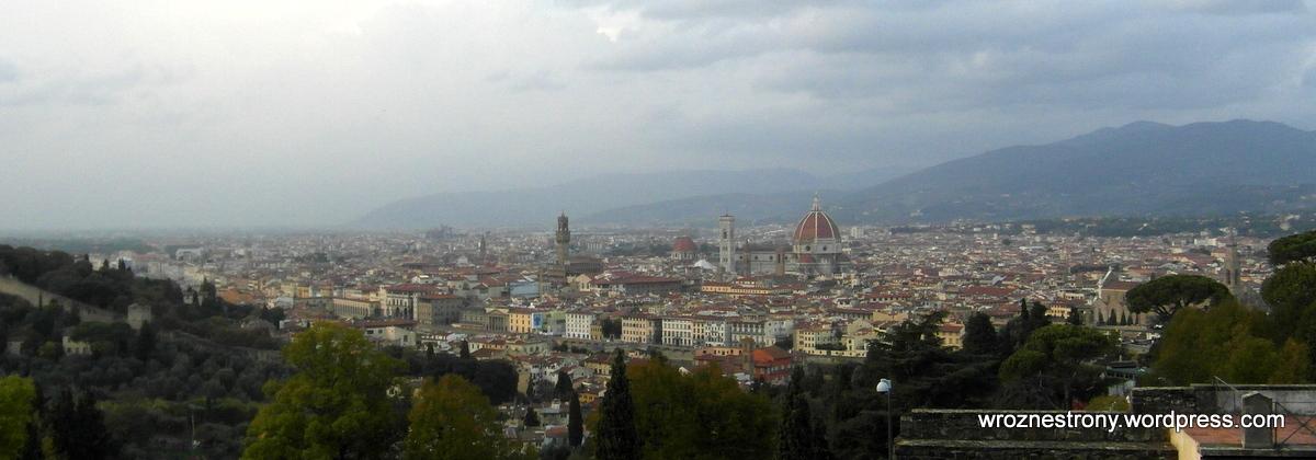 Florencja widziania z placu pod kościołem San Miniato