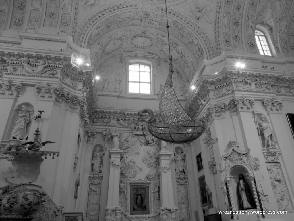 Wnętrze kościoła Piotra i Pawła na Antokolu