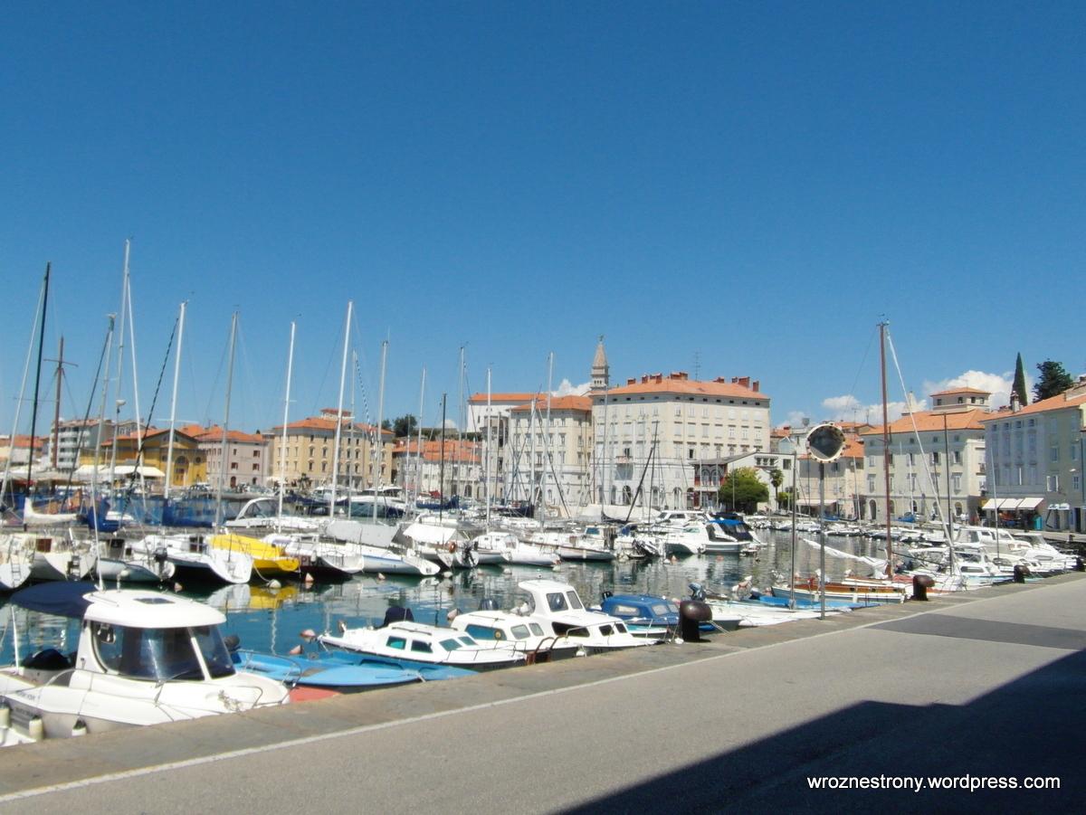 Port w Piranie