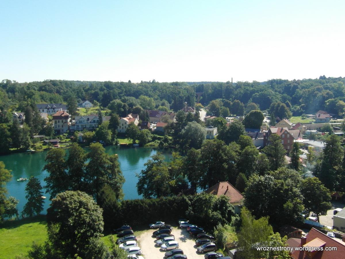 Łagów Lubuski z wieży zamku. Widok na Jezioro Trześniowskie (Ciecz)