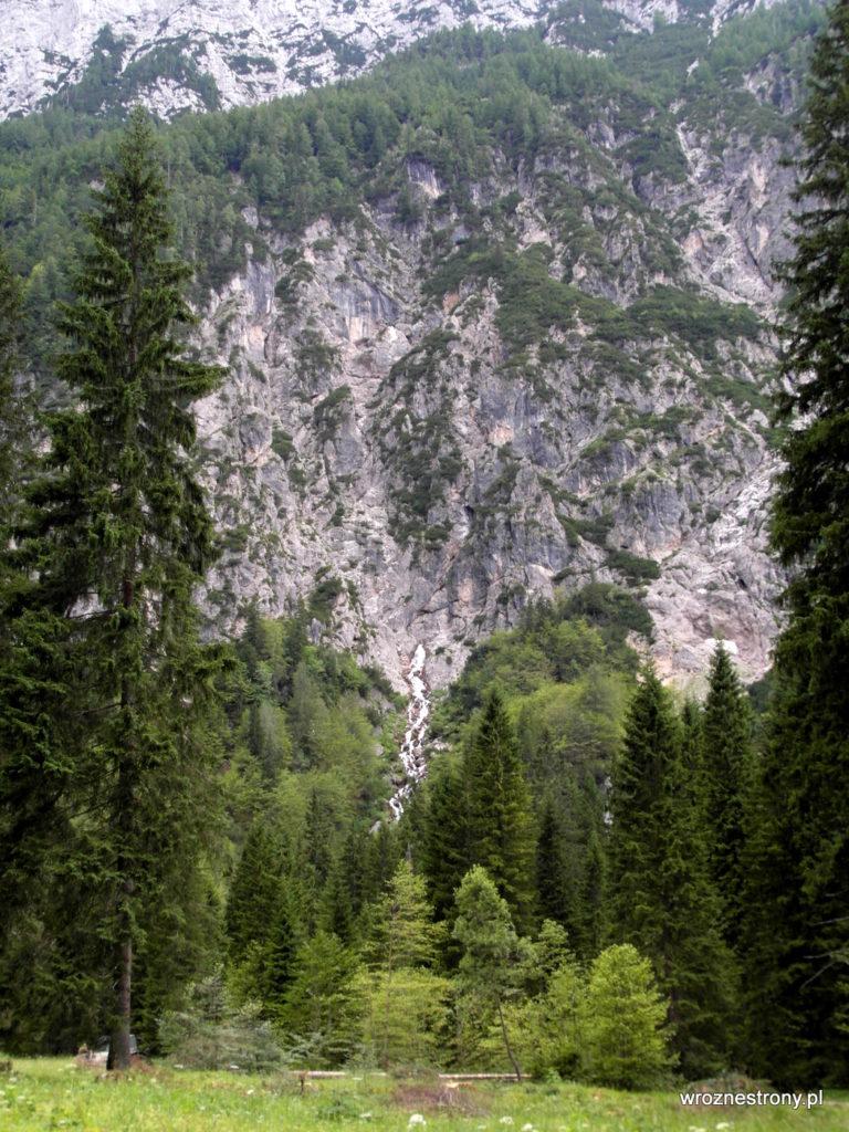 wodospad Nadiža z daleka
