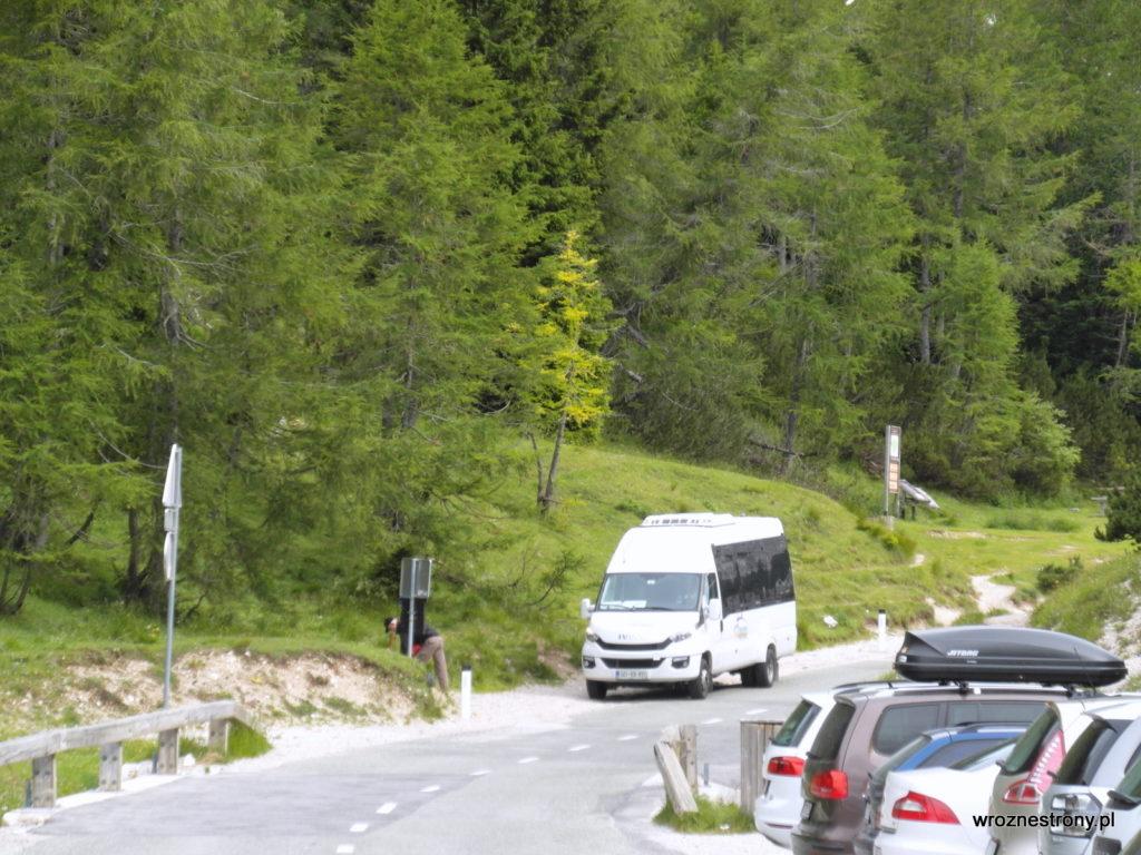 Bus na przełęczy Vršič