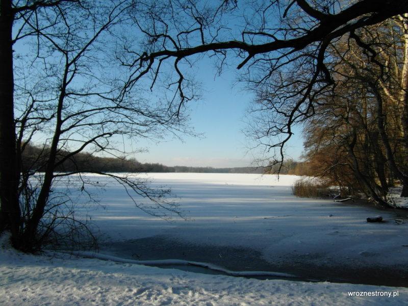 Zamarznięte Jezioro Rusałka