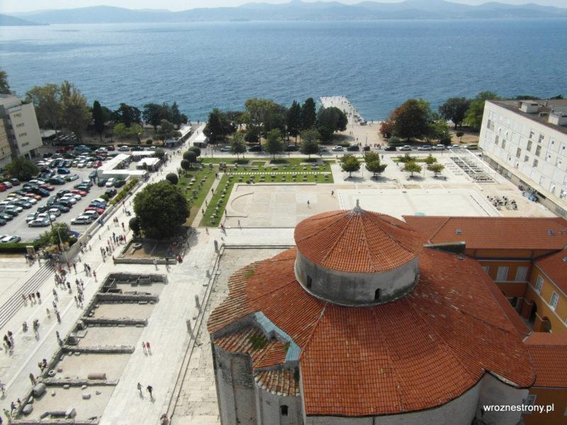 Widok z góry na kościół św. Donata i dawne forum