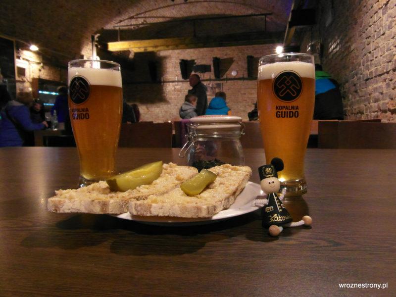 Wizyta w podziemnym pubie w kopalni Guido