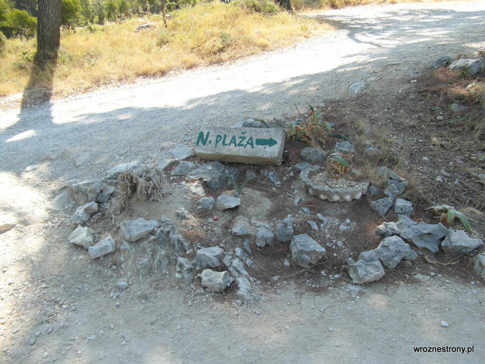 Drogowskaz do plaży Nugal