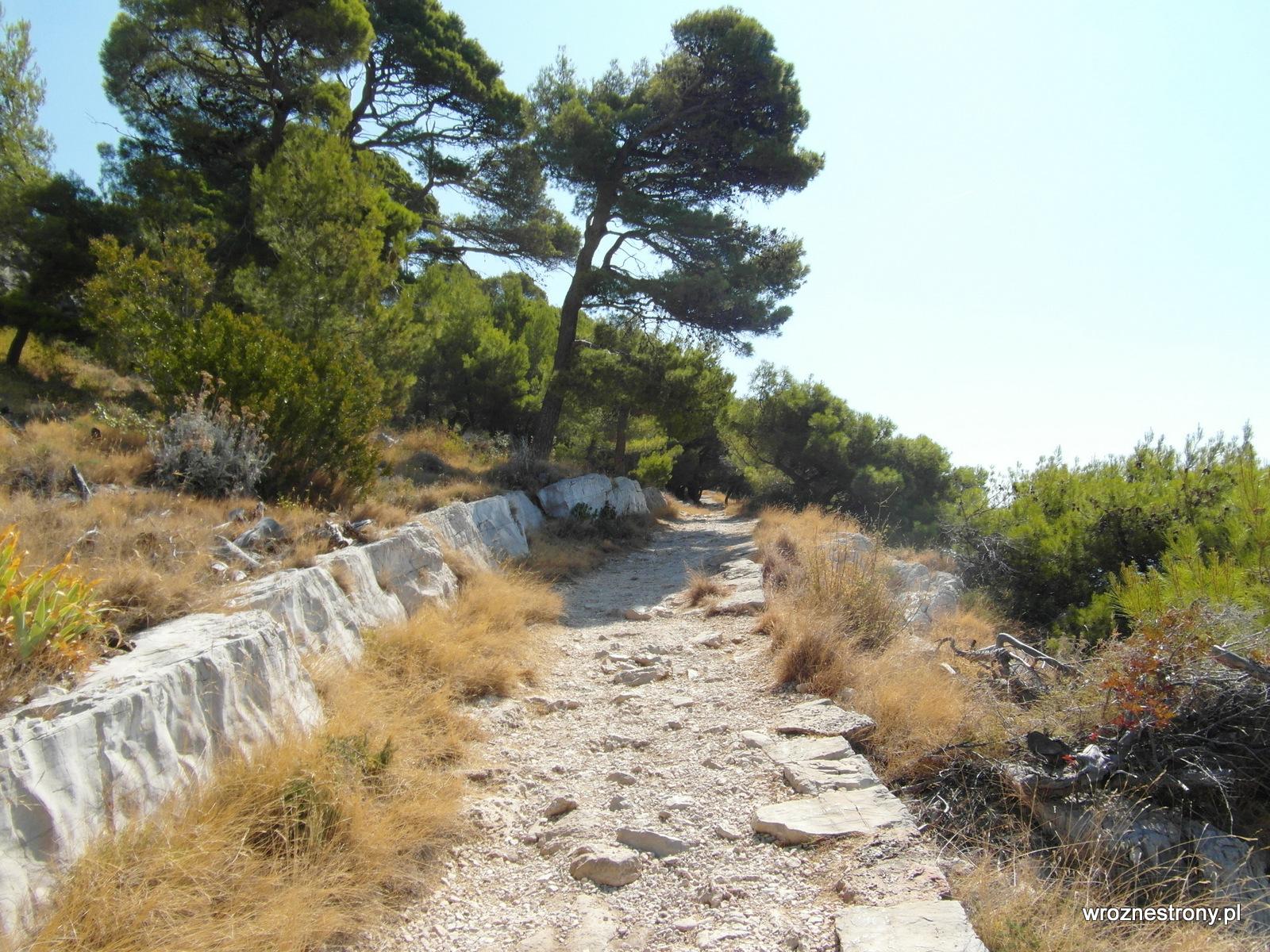 Droga z Makarskiej do plaży Nugal
