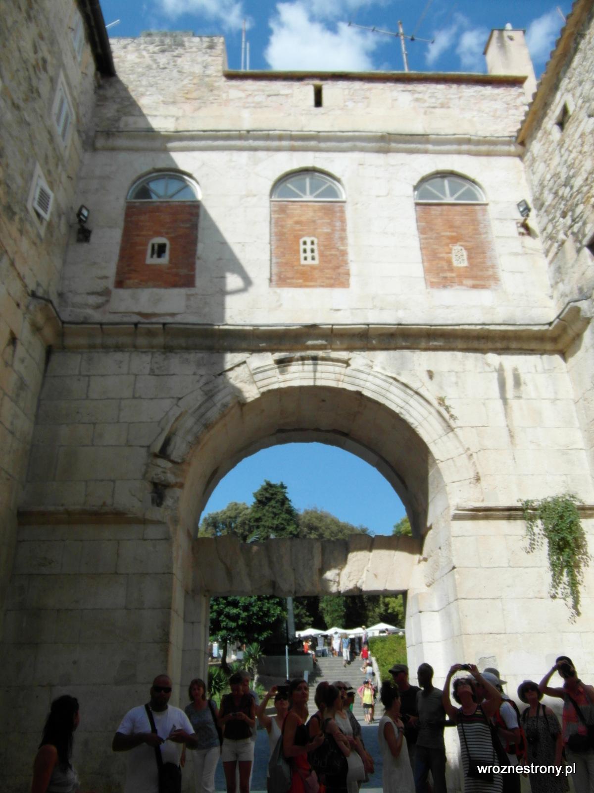 Złota Brama, Split
