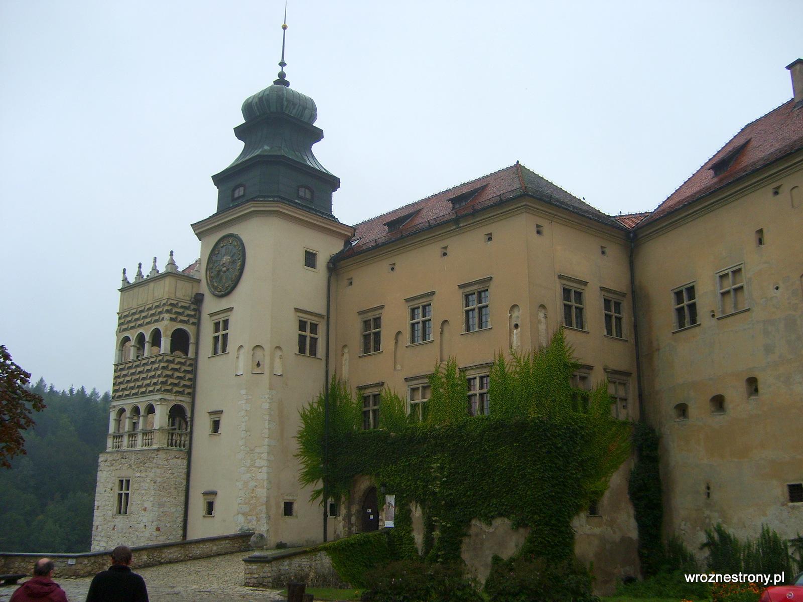 Zamek w Pieskowej Skale w 2007 roku