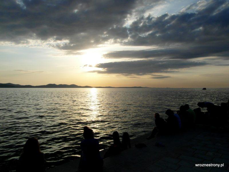 W oczekiwaniu na zachód słońca
