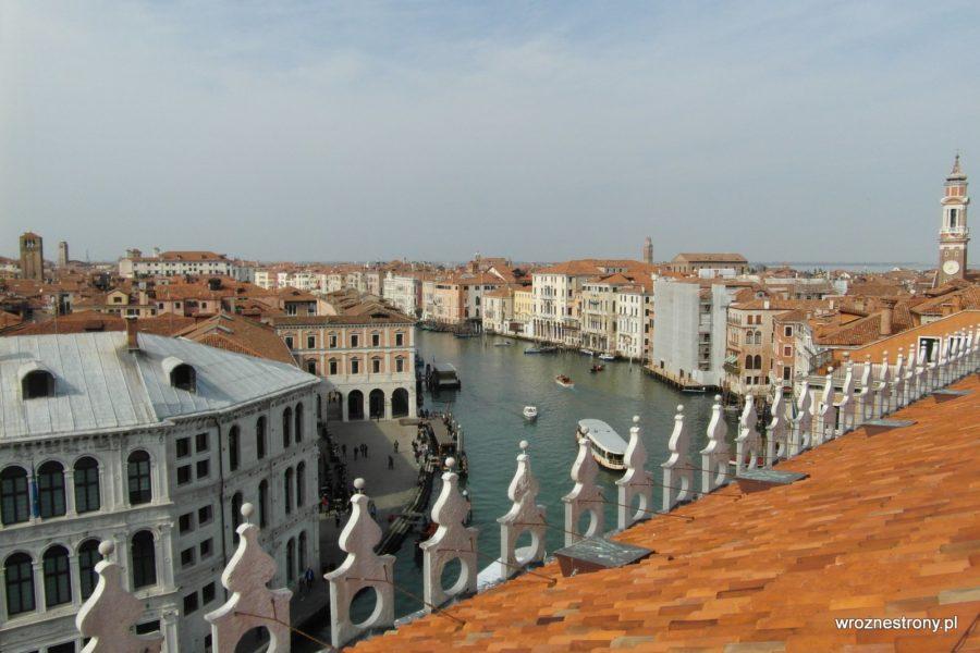 Widok z dachu T Fondaco dei Tedeschi na Canal Grande