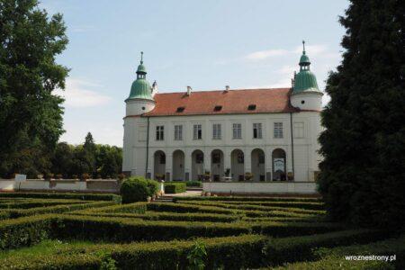 Zamek w Baranowie Sandomierskim - widok od strony labiryntu