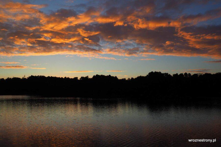 Zachód słońca nad Jeziorem Dankowskim